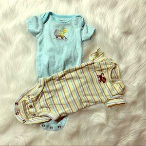 ⭐️ CUTE ⭐️ neutral baby onesie lot NB